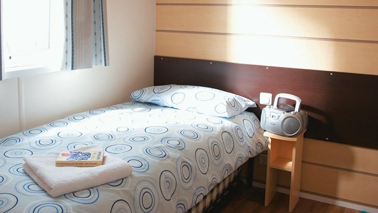 Esprit stacaravan 3 slaapkamer 8 personen - Slaapkamer met doucheruimte ...