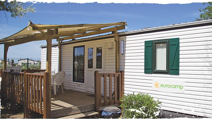 Stacaravan met overdekt terras eurocamp campingvakanties for Overdekt terras model